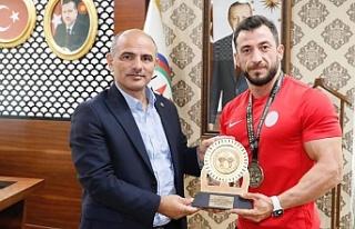 Başkan Söğüt'ten Türkiye Şampiyonu'na tebrik