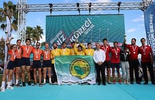 Büyükşehir'in Körfez Kupası Deniz Küreği...