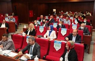 Hürriyet'in ücretsiz yurt talebine AKP ve MHP...