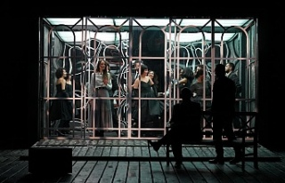 Şehir Tiyatroları perdelerini açtı, ilk oyun;...