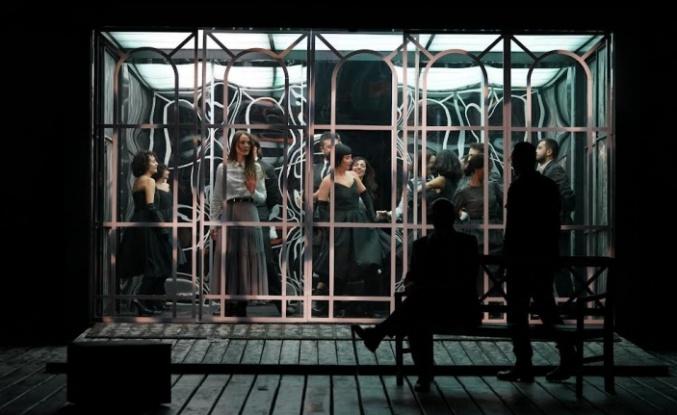 Şehir Tiyatroları perdelerini açtı, ilk oyun; Vişne Bahçesi